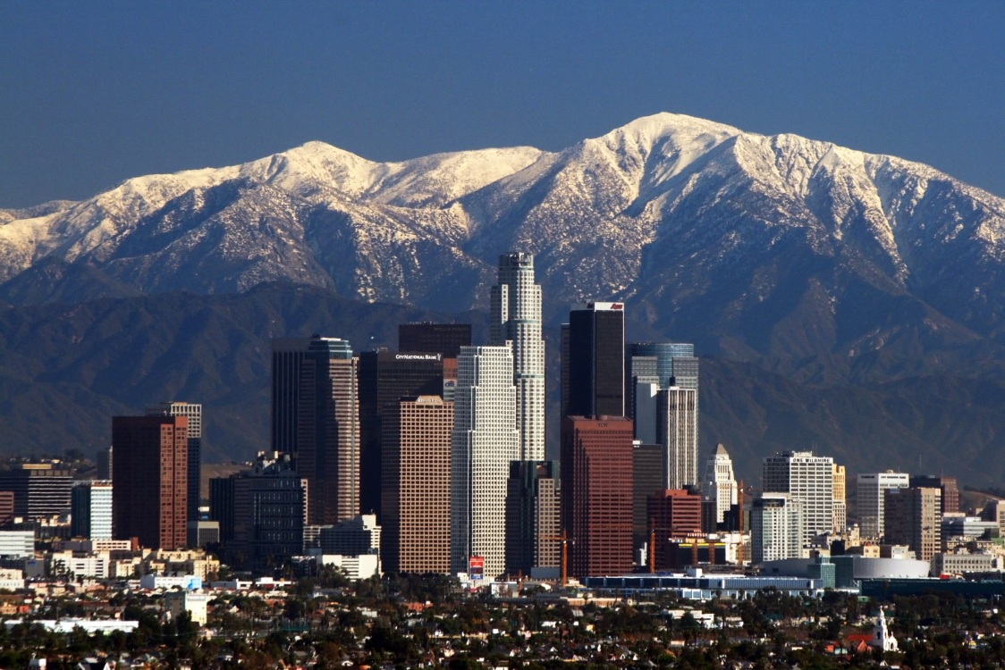 https://richmerritt.files.wordpress.com/2012/03/la_skyline_mountains2.jpg